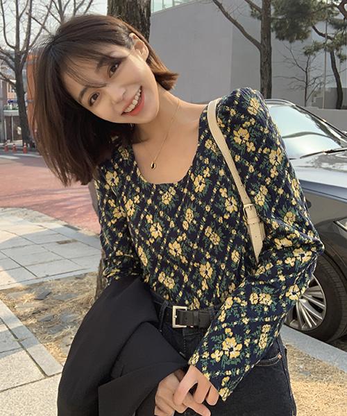 Floral puff blouse ( 2 colors)